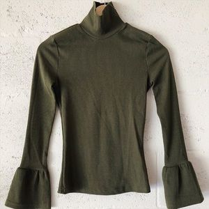 NWT Shein Turtleneck Top w/ Bell Sleeves